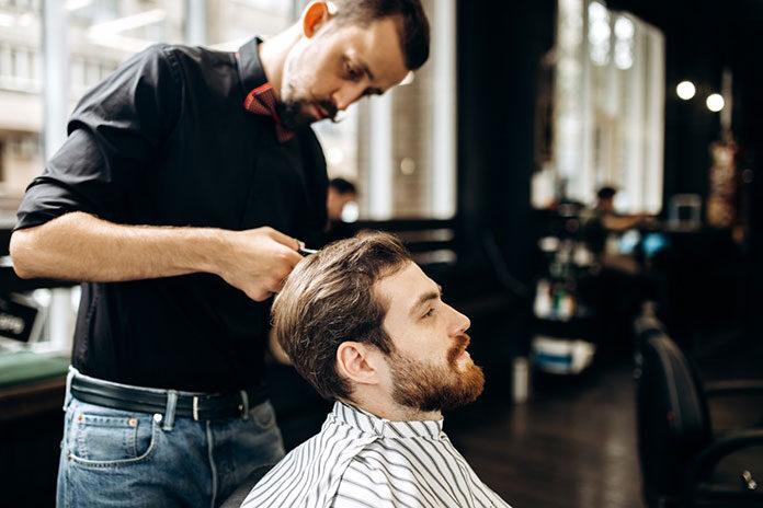 Jak wybrać idealny barber shop? Na czym polega praca barbera?